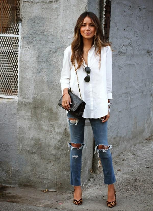 look-camisa-branca-jeans-destroied-salto1